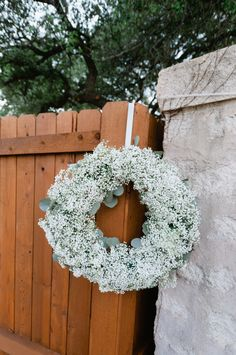 Babys Breath Wreath Outdoor Reception Decor | photography by http://www.shannoncunninghamphoto.com/