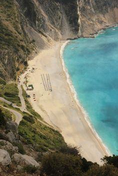 La que podría ser la mejor playa de Grecia (Myrtos, Kefalonia)