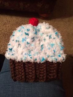 Loom Knit Cupcake Hat!