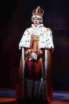 "When Jonathan Groff walked onstage as King George and slayed with his hilarious number and brilliant sass. 10 Times I Lost My Sh*t Watching ""Hamilton"" The Musical Musical Hamilton, Hamilton Broadway, Hamilton Soundtrack, Alexander Hamilton, Hamilton King George, Jonathon Groff, Hamilton Costume, Hamilton Cosplay, Roi George"