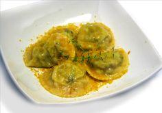 Ravioli di ricotta e carciofi con bottarga Ricotta, Guacamole, Food Art, Italian Recipes, Food To Make, Mexican, Cooking, Ethnic Recipes, Kitchen