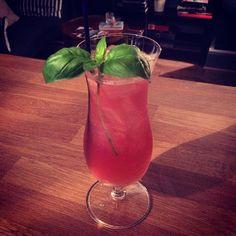 A Bring & Mix Cranberry Gin Garden! #cocktails #bringandmix #bedfordplace #Southampton #Gin