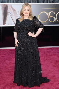 Adele en los Oscar 2013. Adele, con un vestido negro de pedrería de Burberry.