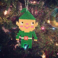 Christmas perler bead elf by Wee Wonderfuls