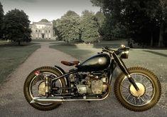 ϟ Hell Kustom ϟ: Chang Jiang 750 By Marlon Motorcycles Bmw Motorcycles, Custom Motorcycles, Custom Bikes, Bmw 520, Bmw Vintage, Vintage Bikes, Retro Bikes, Harley Bobber, Bobber Chopper