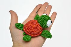1 piece Crochet turtle / Green amigurumi turtle / Sea creature / Stuffed animals / Handmade turtle / Crochet turtle pendant / Handmade pendant  Toy