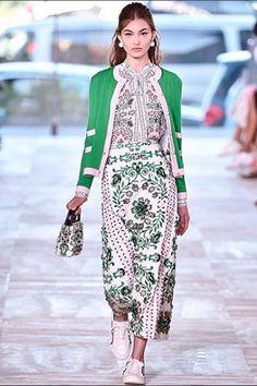 A 19 éves Grace Elizabeth az új modellkedvenc http://www.glamouronline.hu/divathirek/a-19-eves-grace-elizabeth-az-uj-modellkedvenc-22173?google_editors_picks=true