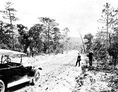 Florida Memory - Dirt road between Crestview and Valparaiso.   1919