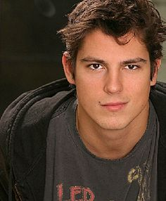 sean. faris. The guy from forever strong!!! SSOOOO ATTRACTIVE!!!!
