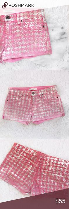 """• Rich & Skinny • Pink Houndstooth Print Shorts \\ waist 15""""  \\ rise 8""""  \\ inseam 2.5"""" Rich & Skinny Shorts Jean Shorts"""