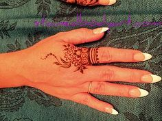Stained - henna artist in Tampa Florida for bridal mehndi , henna tattoo , and henna design ebooks for the henna community. Mehndi Tattoo, Henna Tatoos, Henna Ink, Henna Body Art, Henna Tattoo Designs, Henna Mehndi, Henna Designs Easy, Beautiful Henna Designs, Mehndi Designs For Hands