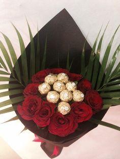 ideas flowers bouquet gift valentines ferrero rocher for 2019 Valentine Bouquet, Birthday Bouquet, Valentines Flowers, Valentines Diy, Diy Bouquet, Candy Bouquet, Flower Bouquet Wedding, Ferrero Rocher, Chocolate Flowers Bouquet