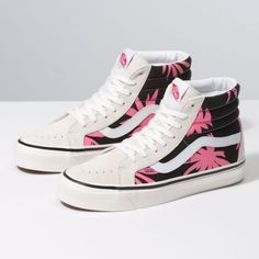 Browse bestselling Shoes at Vans including Women's Classics, Slip-On, Surf and Sandals. Shop at Vans today! Vans Sneakers, Vans Shoes, Loafer Shoes, Mules Shoes, Women's Shoes Sandals, Sneakers Fashion, High Top Sneakers, High Heels, Tomboy Fashion
