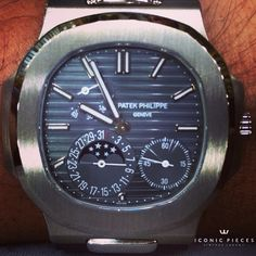 Watch beauty#patekphilippe #menwatches #iconicpieces #watches #worldtime #patek_philippe #rarewatch #hodinkee #geneve #whatchs #5712 #nautilus #moonphase