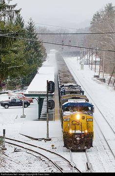 RailPictures.Net Photo: CSXT 307 CSX Transportation (CSXT) GE AC4400CW at White Sulphur Springs, West Virginia by Travis Giles