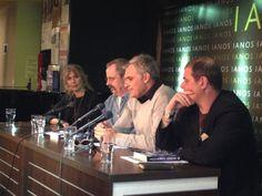 Στιγμιότυπο από την εκδήλωση για το βιβλίο ΤΟ ΣΤΙΓΜΑ ΤΗΣ ΠΡΟΔΟΣΙΑΣ του Πολ Τζόνστον στο βιβλιοπωλείο ΙΑΝΟS. Στην φωτογραφία, αριστερά του βρίσκεται η Σόφκα Ζινόβιεφ, συγγραφέας, ενώ στα δεξιά του ο  Στέφανος Δάνδολος, συγγραφέας, και ο Γιάννης Ράγκος, δημοσιογράφος.