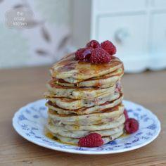 The Crazy Kitchen: How to Make Pancakes Schwartz Style Yummy Pancake Recipe, Tasty Pancakes, Raspberry Pancakes, Crazy Kitchen, How To Make Pancakes, Everyday Food, A Food, Ice Cream, Treats
