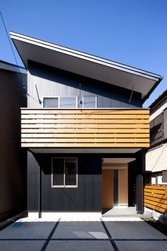 黒×木目 Small Tiny House, Tiny House Design, Exterior House Colors, Exterior Design, Style At Home, Modern Architecture House, Architecture Design, Narrow House, Exterior Cladding