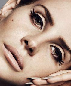 Lana Del Rey her make up is always gorgeous Makeup Trends, Makeup Inspo, Makeup Inspiration, Makeup Tips, Beauty Makeup, Makeup Ideas, Matte Makeup, Cat Eye Makeup, Hair Makeup