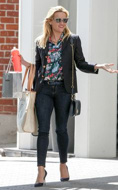 Reese Witherspoon absolutely SLAYS the street style game! Love this look!