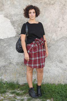 how to wear tartan, checked shirt, lumberjack shirt, tartan trend, what to wear with a tartan shirt, tartan shirt worn as a skirt