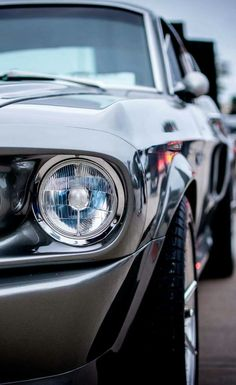 Classic Mustang - My list of the best classic cars Classic Mustang, Ford Classic Cars, Mustang Cars, Ford Mustang Gt, Hot Cars, Retro Cars, Vintage Cars, Carros Retro, Shelby Gt 500