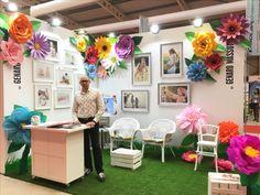 Giant Paper Flowers Petitalia 2017 stand Genaro Massot Photography