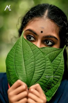 Beautiful Girl In India, Beautiful Eyes, Eye Photography, Girl Photography Poses, Girl Pictures, Girl Photos, Solo Photo, Indian Photoshoot, Village Girl