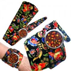 The vibrant colours in a floral design make this watch a genuine fashion statement. Floral Tie, Floral Design, Unusual Watches, Telling Time, Soft Summer, Beautiful Watches, Love Flowers, Vibrant Colors, Colorful