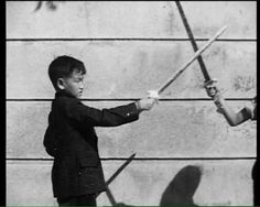 Rare picture of Bruce Lee in his childhood Rare Pictures, Rare Photos, Bruce Lee Training, Bruce Lee Family, Jeet Kune Do, Martial Artists, Creative Skills, Cat Life, Kung Fu