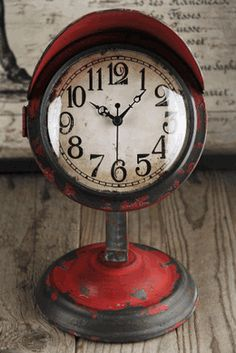Retro Table Clock Red