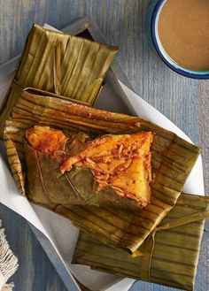 tamales de chile guajillo y hoja santa
