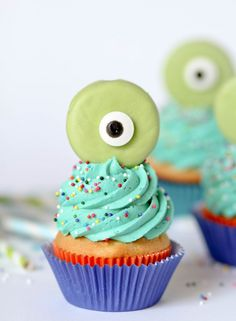 How cute are these monster cupcakes?