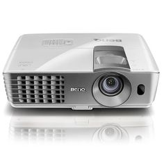 """VIDEOPROYECTOR BenQ W1070. Home entertainment is only a push of a button away! The W1070+ living room projector is packed with BenQ's new-generation wireless projection capabilities, side projection feature and short-throw technology to give you 100"""" of 1080p uncompressed Full HD fun wherever and however you like – no complex installations, tangled wires or remodelling costs. Plus, it's as simple to use as any home appliance!  #BenQ #videoproyector"""