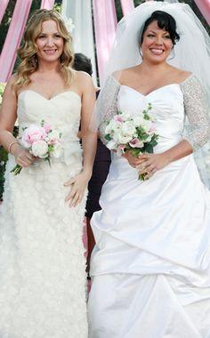 "5 May 2011 — Jessica Capshaw as 'Dr. Arizona Robbins' & Sara Ramirez as 'Dr. Callie Torres' in ""Grey's Anatomy"" 💠 Here's a Arizona Robbins, Jessica Capshaw, Movie Wedding Dresses, Wedding Movies, Wedding Gowns, Wedding Tips, Wedding Grey, Wedding Quotes, Trendy Wedding"