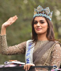 Manushi Chillar Picture Gallery image # 369472 at Manushi Chhillar Road Show in Delhi containing well categorized pictures,photos,pics and images. Modern Saree, Miss India, Stylish Girl Pic, My Hairstyle, Miss World, Indian Models, Indian Celebrities, Beauty Pageant, India Beauty