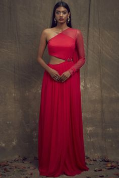 Shop Shloka Khialani One Shoulder Gown , Exclusive Indian Designer Latest Collections Available at Aza Fashions Indian Designer Outfits, Designer Gowns, Indian Outfits, Indian Attire, Indian Gowns Dresses, Pink Gowns, One Shoulder Gown, Dress Indian Style, Two Piece Dress