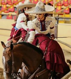 Image may contain: 1 person, riding on a horse and hat Mexican Costume, Mexican Outfit, Mexican Dresses, Folk Costume, Traditional Mexican Dress, Traditional Dresses, Charro Quinceanera Dresses, Vestido Charro, Mexico Dress