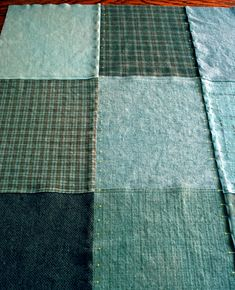 """How to make a patchwork """"quillow"""""""