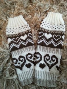 Gloves, Slippers, Socks, Ankle, Knitting, Fashion, Tricot, Moda, Wall Plug