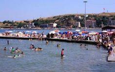 Tekirdağ'ın Marmara Ereğlisi'nde kurulan halk plajına erkeklerin girmesi yasak...