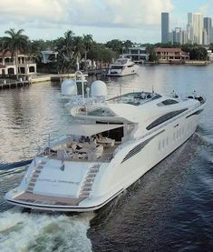 Luxury Yachts, Luxury Boats, Bateau Yacht, Sports Nautiques, Yacht Boat, Water Toys, Yacht Design, Super Yachts, Jet Plane
