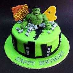 KL Handcraft The Incredible Hulk Fondant Cake Hulk Torte, Hulk Cakes, 3d Cakes, Fondant Cakes, Cupcake Cakes, Hulk Birthday Cakes, Happy Birthday Cakes, 4th Birthday, Cake Decorating Piping