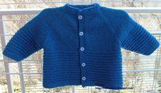 2  gomitoli di Mistral Sesia 100% Lana Merino Fine (50 g. -  175 m.), ferri  n. 3 La taglia è 0/3 mesi. Il punto a righe: 1° f.: diritto... Baby Knitting Patterns, Free Knitting, Baby Sweaters, Crochet, Lana, Free Pattern, Couture, Boys, Blouses