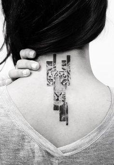 Balazs Bercsenyi tiger tattoo