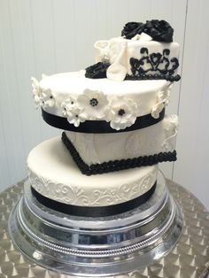 special black and white weddingcake