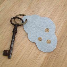 Porte-clés nuage en cuir JxsgShtFkB