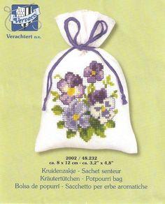 Превью f9c0775816c1 (564x700, 398Kb) Cross Stitch Cards, Cross Stitch Flowers, Cross Stitch Patterns, Sachet Bags, Lavender Bags, Small Flowers, String Art, Potpourri, Pansies
