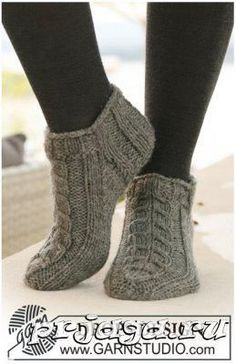 Socks & Slippers - Free knitting patterns and crochet patterns by DROPS Design Knitting Designs, Knitting Patterns Free, Free Knitting, Knitting Projects, Crochet Patterns, Knitted Slippers, Crochet Slippers, Knit Or Crochet, Slipper Socks
