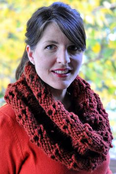 Aesthetic Nest knitted this beautiful ribbed cowl with drawcord with Wool-Ease Thick & Quick.